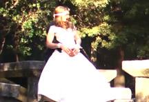 fotos da cena Os noivos fazem uma sessão de fotos ao ar livre e logo que o fotógrafo vai embora eles aproveitam pra transar no mato. O tarado filmou e acompanhou a foda bem de perto... 1