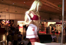 fotos da cena Depois do striptease erótico, a loira adora um sexo selvagem e dá a buceta com vontade pro rapaz. Veja que delícia essa safada dando e engolindo gozo. 2
