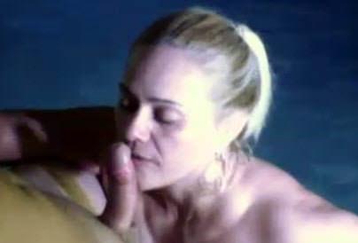Video pornô Casal trepando em todos os cantos da casa e em várias posições. A loira Marisa é bem safada e adora dar o bucetão de quatro.